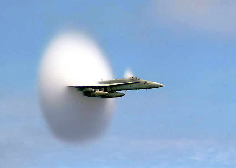 800px-FA-18_Hornet_breaking_sound_barrier_(7_July_1999)_-_filtered